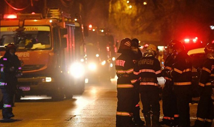 Ultima oră! Bloc din Constanța, cuprins de flăcări. Zeci de persoane, inclusiv copii, au fost evacuate de urgență