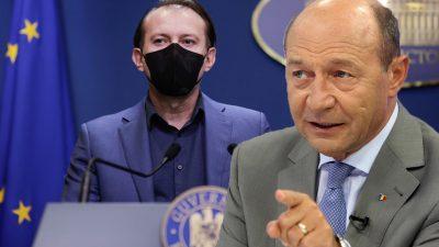 """Traian Băsescu, despre succesul campaniei de vaccinare: """"Cîțu, așa cu masca pe figură și vorbind repede, își face treaba"""". Cum l-a ironizat pe Arafat"""