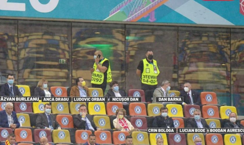 Politicieni, șeful DNA și angajați ai FRF au loc la VIP. Gică Popescu, Gică Hagi și Dorinel Munteanu, doar la tribuna a II-a