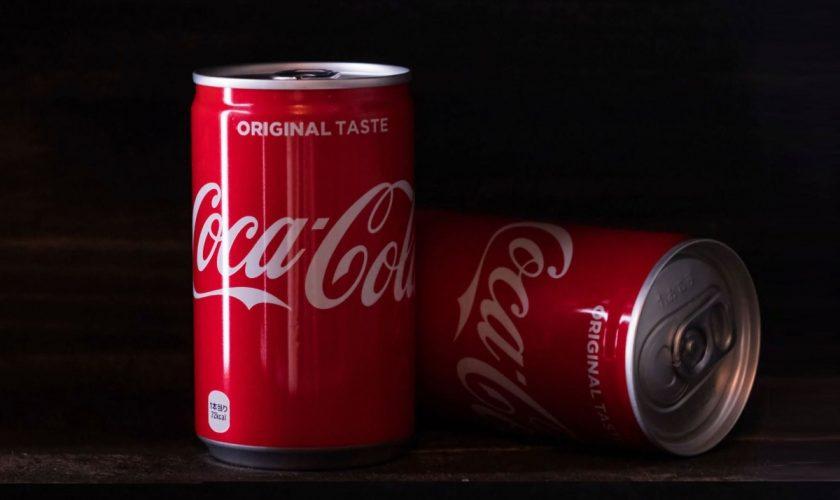 A băut 10 doze de Cola timp de 30 de zile. Ce s-a întâmplat apoi este uluitor