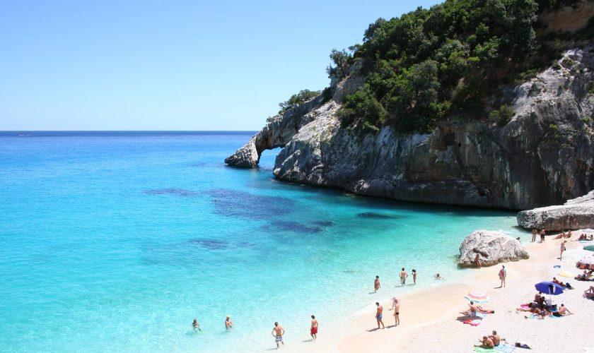 Amenzi colosale pentru turiștii care merg în Italia. Ce nu ai voie să comiți, sub nicio formă