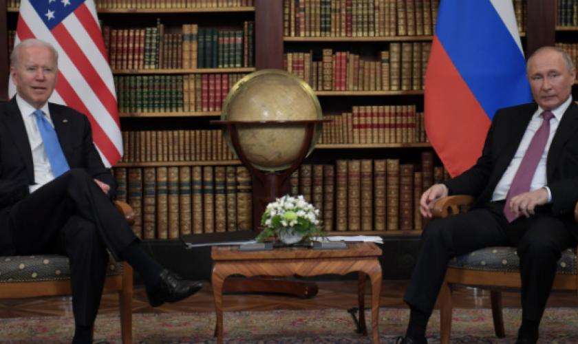 Ce cadouri i-a făcut Joe Biden lui Vladimir Putin. Dezvăluirea surpriză după întâlnirea dintre cei doi