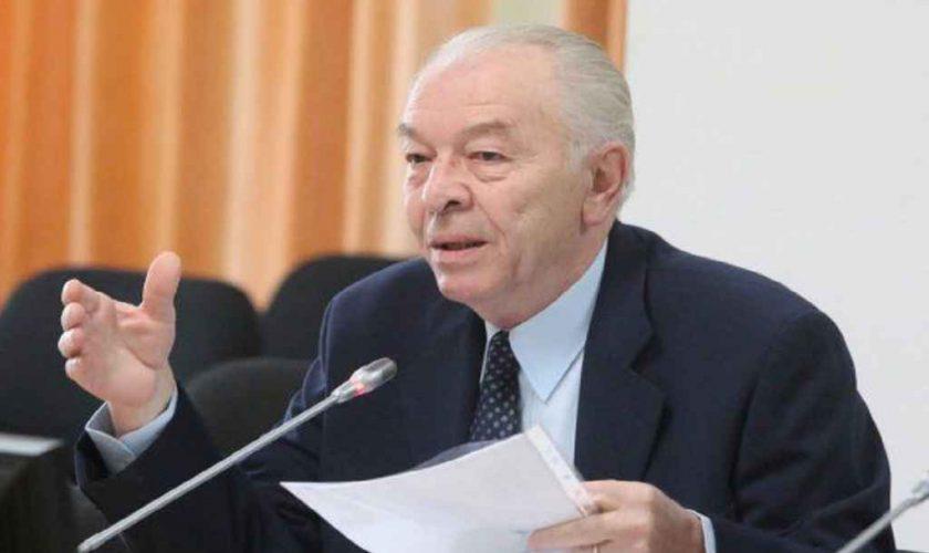 Ce s-a ales de fostul premier Nicolae Văcăroiu. Cu ce se ocupă acum, de fapt