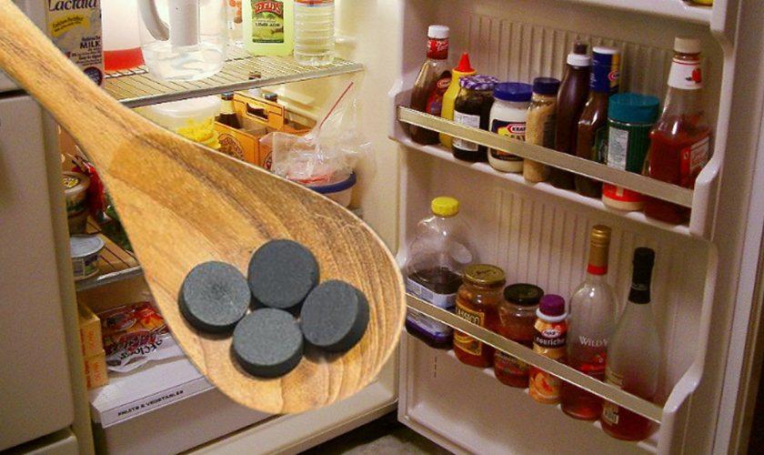 Ce se întâmplă dacă pui două pastile de cărbune activ în frigider. Truc ieftin și rapid