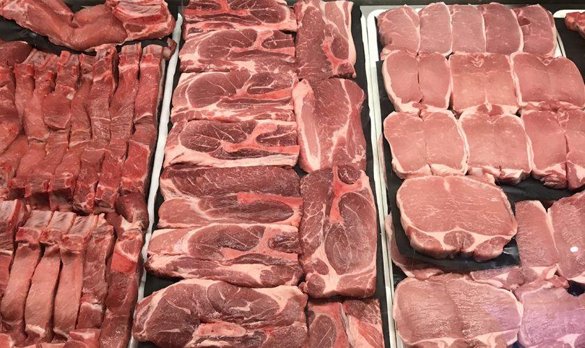 Ce se întâmplă de fiecare dată când românii cumpără ceafă de porc. Ireal! VIDEO