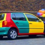 """Culoarea mașinii spune multe despre tine. Află aceste trucuri secrete pentru a îți """"citi""""prietenii"""