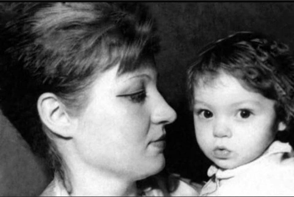 vedete, poze, copilărie, Delia Matache, celebrități