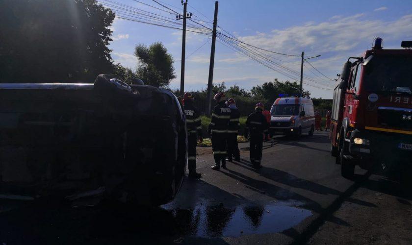 Dosar penal după tragicul accident rutier de la Aninoasa. Două persoane au murit, iar 7 copii au ajuns la spital