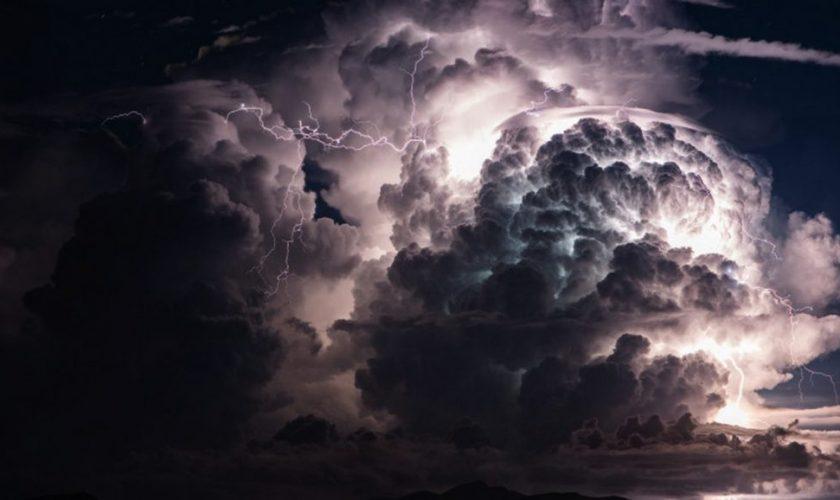 Meteo ANM. Fenomene extreme în următoarele ore. Temperaturile scad drastic