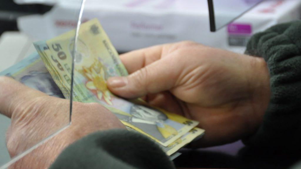 Președintele Iohannis a semnat decretul. Ce spune legea privind cumpărarea vechimii în muncă