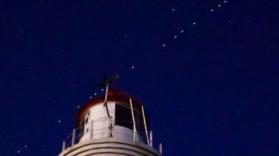 Sateliții Starlink se văd vineri seară și în România. Când trebuie să stăm cu ochii pe cer