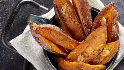 Secretul cartofilor copți cu crustă. Trucul știut de cei mai pricepuți bucătari