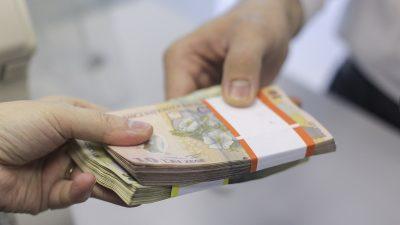 Diaspora a umilit previziunile Băncii Mondiale. Câți bani au trimis în țară românii plecați peste hotare