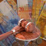 Vești majore pentru românii cu credite în franci elvețieni. Ce a decis instanța