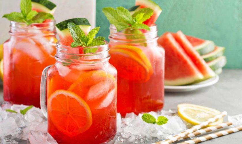 3 rețete de cocktail cu lămâie, pepene sau ananas. De ce ingrediente ai nevoie pentru a obține o băutură delicioasă și răcoritoare