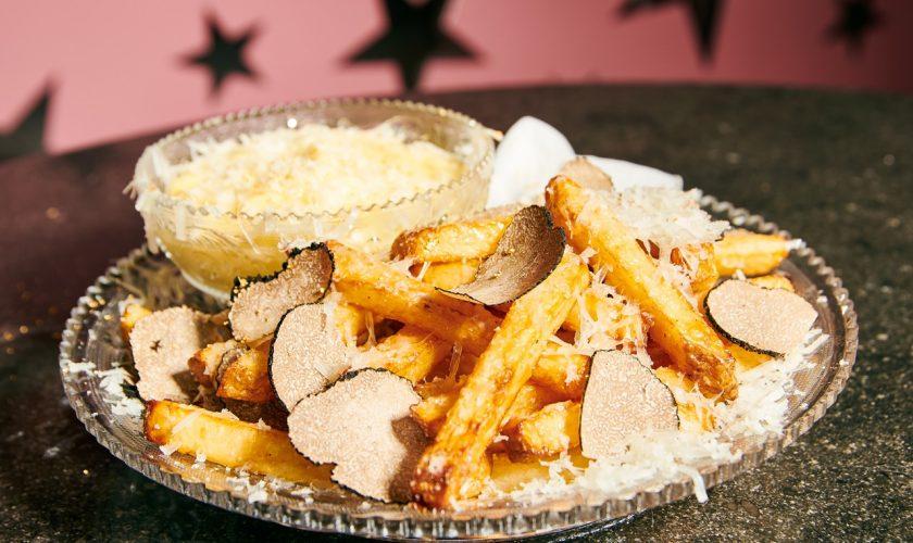 Cei mai scumpi cartofi prăjiți din lume costă o mică avere. Românii mănâncă o lună de banii aceștia