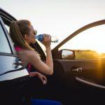 Ce e bine să ții mereu în mașină vara ca să nu te sufoci când intri în ea. Mii de români au început să facă deja asta
