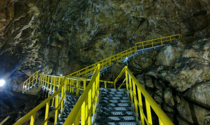 Veste tristă pentru turiști. De ce a fost închisă Peștera Ialomiței, cel mai vizitat obiectiv turistic din Bucegi