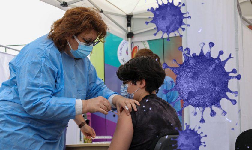 De ce persoanele vaccinate se infectează cu covid-19 tot mai mult. Explicația oficialilor