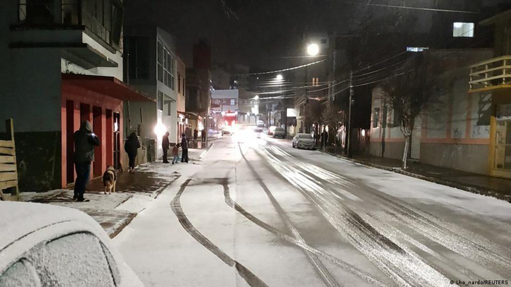 """Brazilia, înghițită de o ninsoare istorică: """"Am 62 de ani şi nu am văzut niciodată zăpadă până acum"""""""