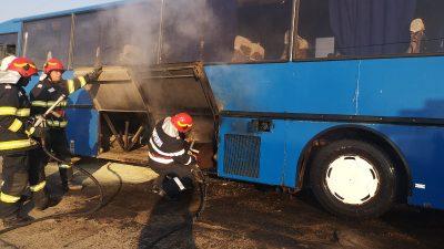 Ultima oră! Autocar cu 21 de copii, cuprins de flăcări în timp ce se afla în mers. Care este starea micuților