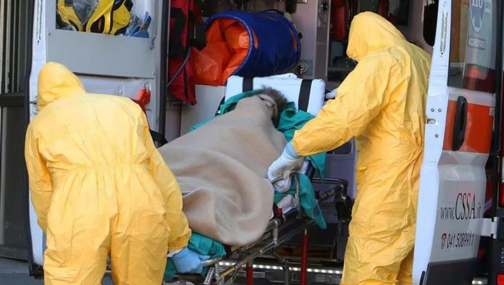 O româncă a murit la șapte ore după ce s-a vaccinat anti-Covid-19, în Italia. Ce a apucat să facă după ce a simțit că îi este rău