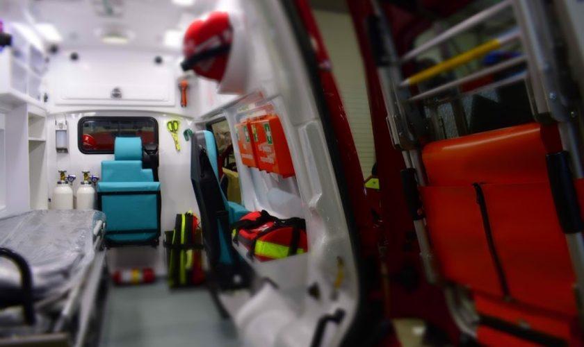 Îngrozitor! Un bebeluș, din Bihor, a murit după ce s-a înecat cu o bomboană. Familia a atacat echipajul SMURD