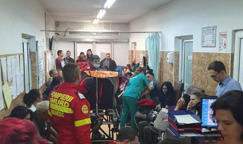 Medicii în alertă! Sute de oameni au ajuns la spital cu probleme grave de sănătate. Ce lichid au consumat toți pacienții