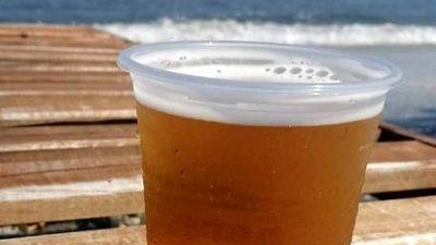 """Cât costă o bere în Vama Veche, de fapt. Turiștii abia și-o permit: """"Foarte scumpă, inclusiv la market"""""""