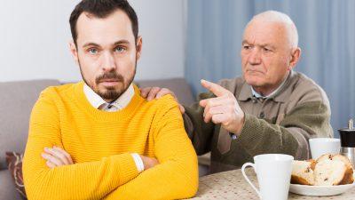 Vârsta la care se mută tinerii din casa părinților. Ce medie este și la nivelul Europei