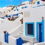De ce casele din Grecia sunt albe cu uși și obloane albastre. Puțini oameni mai cunosc acest detaliu