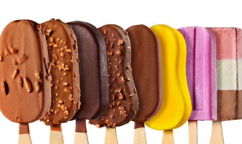 """Alertă în rândul iubitorilor de înghețată! Peste 20 de sortimente cu substanțe toxice, retrase din mai multe hipermarketuri: """"Pot produce cancer"""""""
