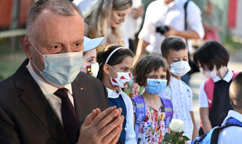 Sorin Cîmpeanu, anunț de ultimă oră cu privire la începerea școlii. Când vor reveni elevii în bănci, de fapt