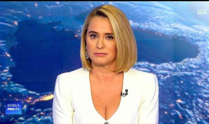 Cum arată Andreea Esca în realitate. Chipul ei e diferit total de cel de la jurnalul știrilor PRO TV