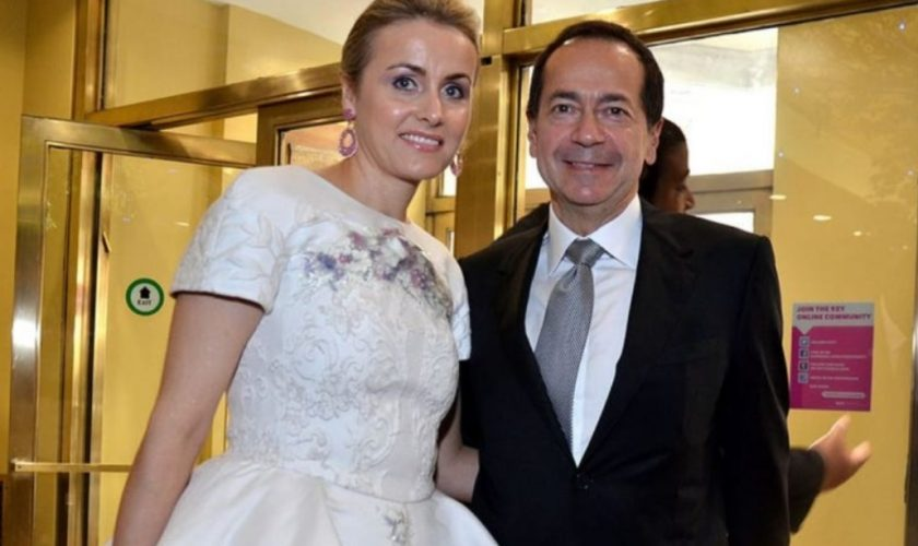 Cum arată amanta miliardarului care divorțează de românca din Galați. Tânăra o face pe conaționala noastră putred de bogată