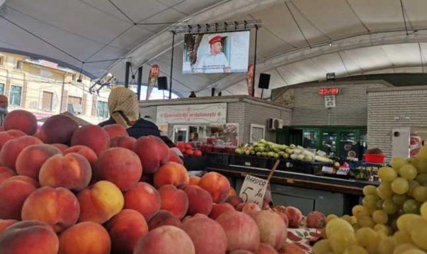 Experiment inedit într-o piață din Badea Cârţan. Vânzătorii au fost revoltați, nervii au fost întinși la maximum