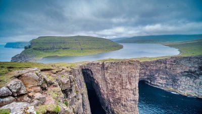 """""""Lacul de deasupra oceanului"""", un fenomen inedit care atrage curioși. Unde și cum se produce VIDEO"""