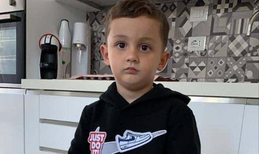 """Copil de patru ani, mort după ce a fost scăpat din brațe de persoana care îl îngrijea: """"L-am scăpat și apoi m-am dus să mânânc o pizza"""""""