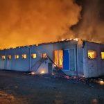 Video. Incendiu devastator la o fabrică de pâine din Constanța. Zeci de pompieri au intervenit de urgență