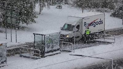 Prima ninsoare în Europa, chiar de azi. Fenomenul care i-a uimit pe locuitori