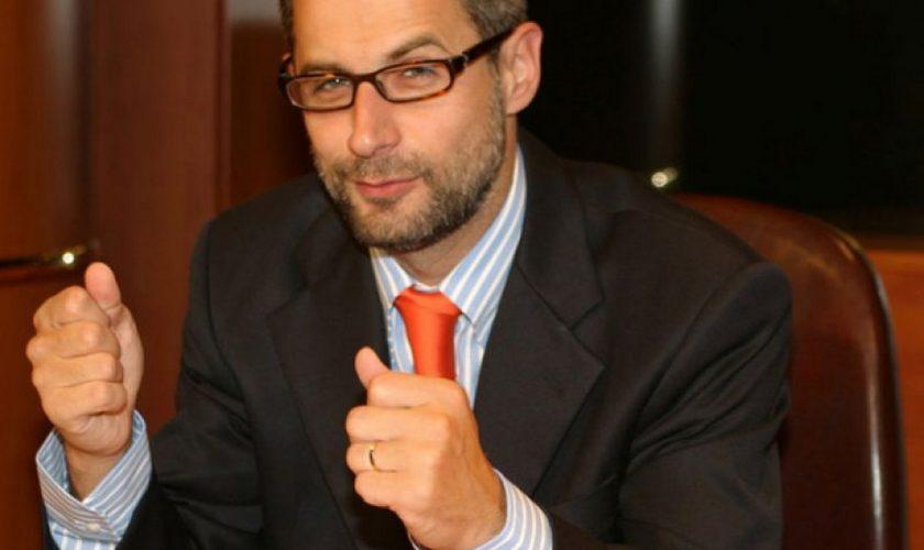 Radu Moraru, amendă uriaşă de la CNA după ce l-a jignit grav pe Raed Arafat