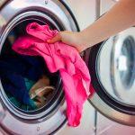 Greşeala banală care îţi distruge maşina de spălat. Mulţi români fac această eroare