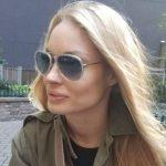 Ipostaza şoc cu Valentina Pelinel. Soţia lui Cristi Borcea, surprinsă în cârje la o clinică privată