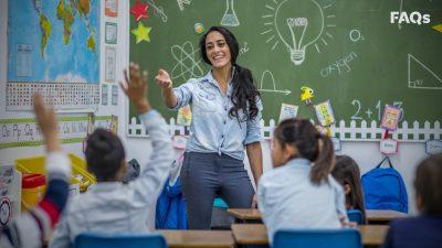 Ziua Profesorului, 5 octombrie. Cum sărbătoresc școlile și elevii din România această aniversare