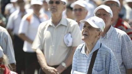 DELIR TOTAL în România: Pensiile să fie mărite cu bani din rezerva BNR