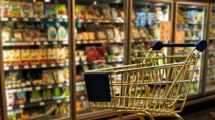 Alertă MAXIMĂ în magazinele din România! Produsul la care trebuie să fii extrem de atent, ca să nu iei COVID-19