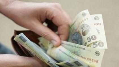 Se dau bani pentru mii de români! Cine va primi 200 de euro