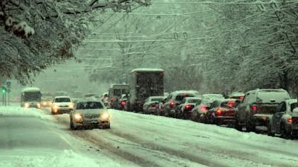 Alertă meteo ANM! Ninsorile pun stăpânire pe România. Cod Galben de zăpadă în București și alte 7 județe