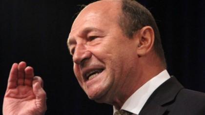 Băsescu, avertisment final: Se poate prăbuşi ţara, nu exagerez!