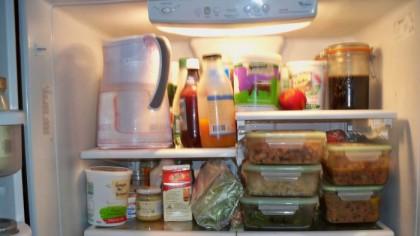 Alimentele care nu trebuie consumate niciodată după expirare! Nici măcar dacă au stat în frigider